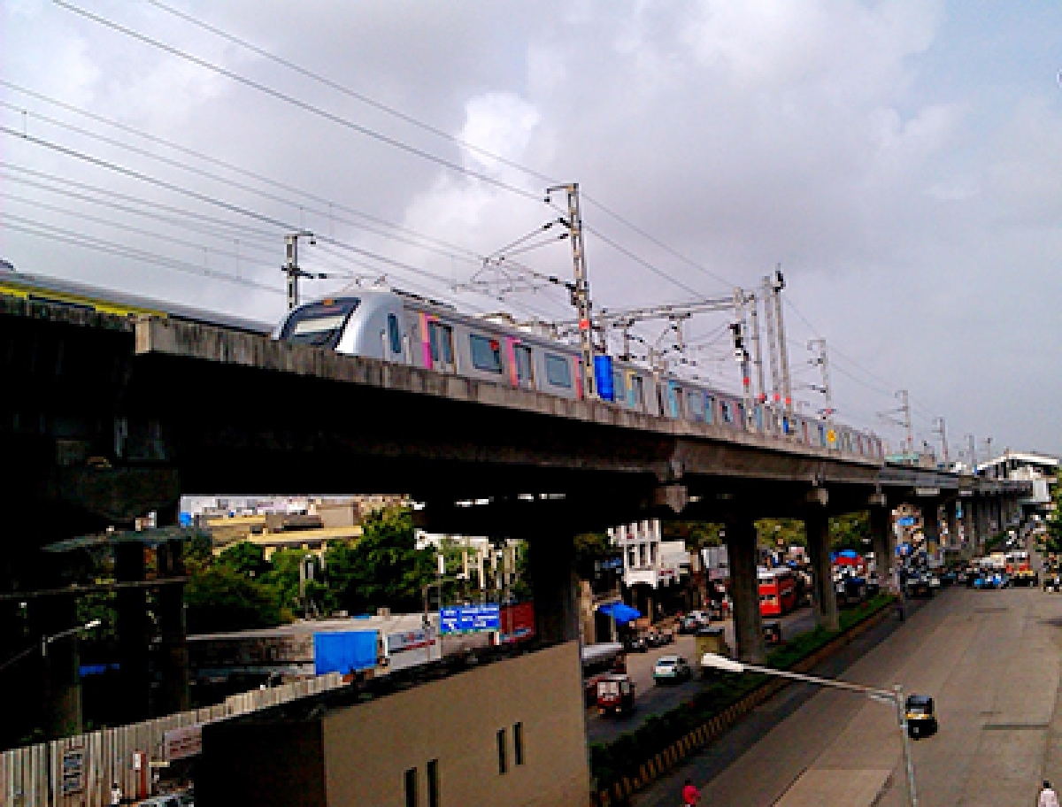 MMRDA, BEST join hands to ensure  smooth travel along Metro-7 corridor
