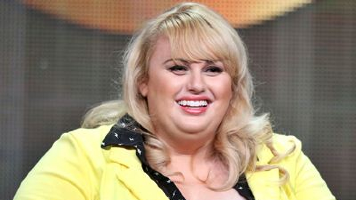 Rebel Wilson flaunts weight loss progress after declaring 2020 'year of health'; see pics