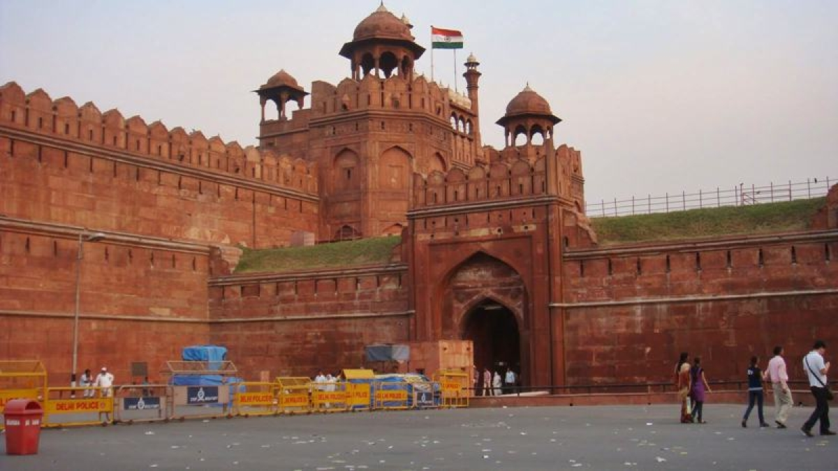 Red Fort  Picture credits:  vivaster.com
