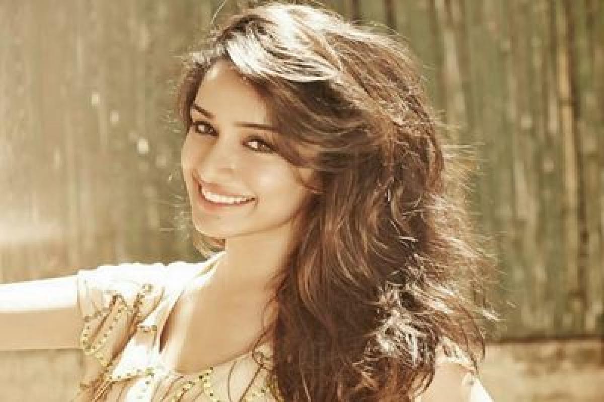 After 'Baaghi', Shraddha starts shooting for 'OK Janu'