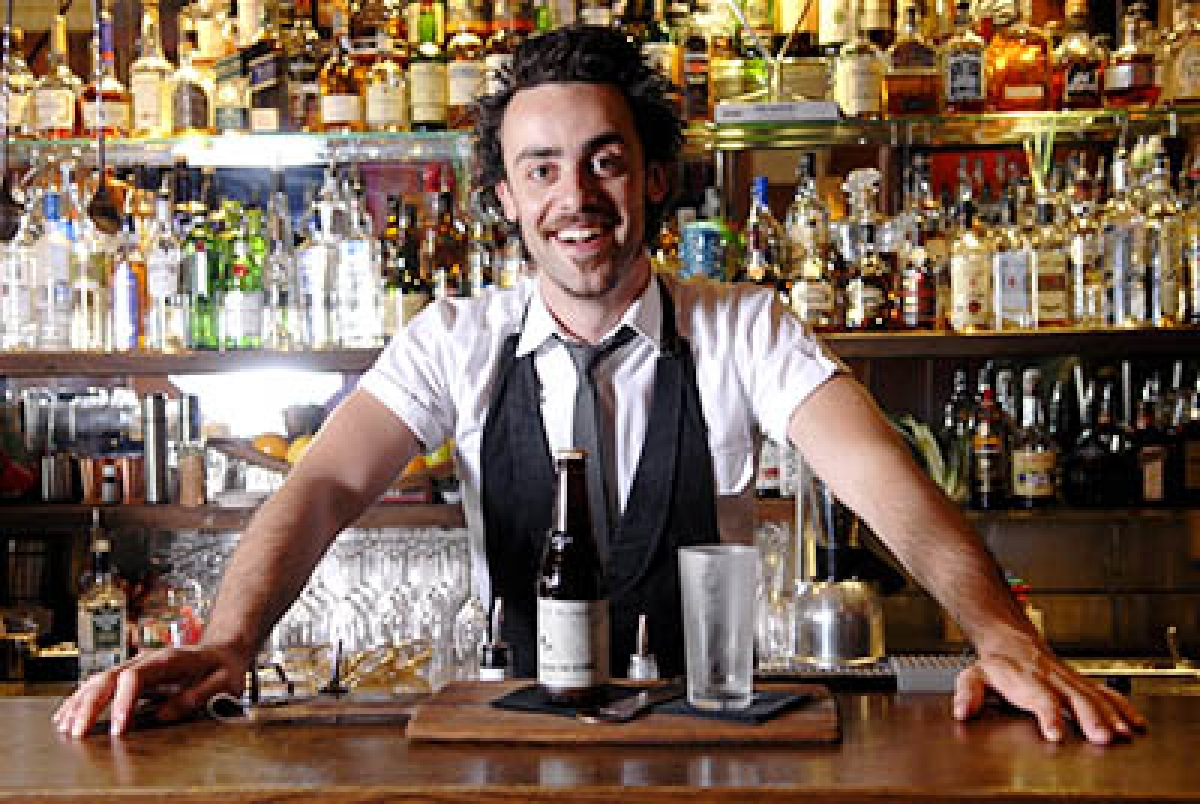 Why bartenders often ignore you