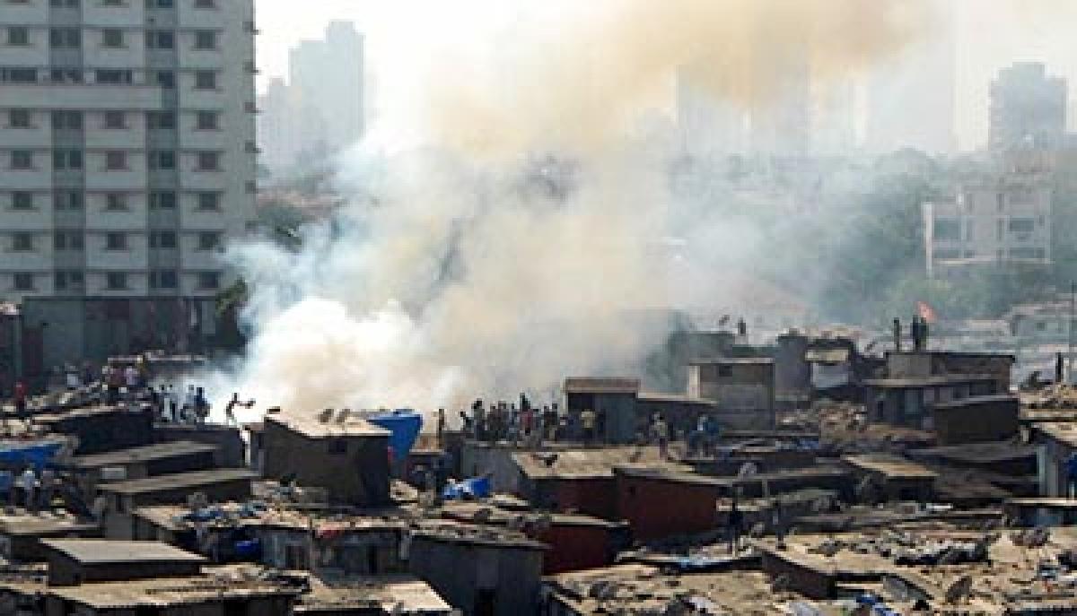 5 houses gutted in Mahim slum, no casualties