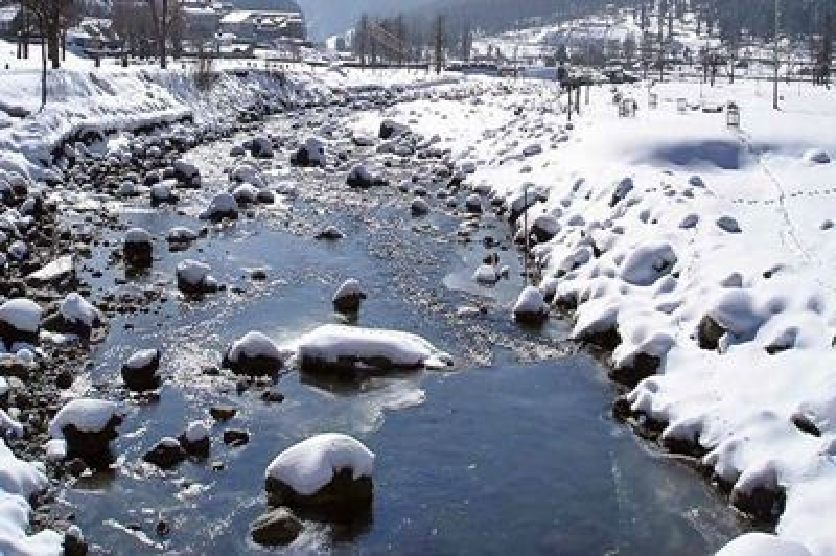 With Ladakh freezing, cold wave to intensify in Kashmir