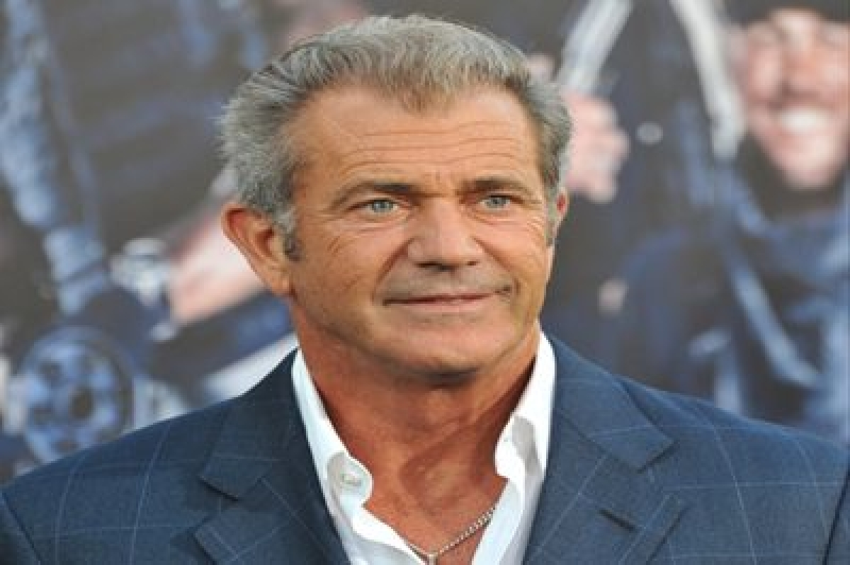 Mel Gibson to present award at Golden Globes