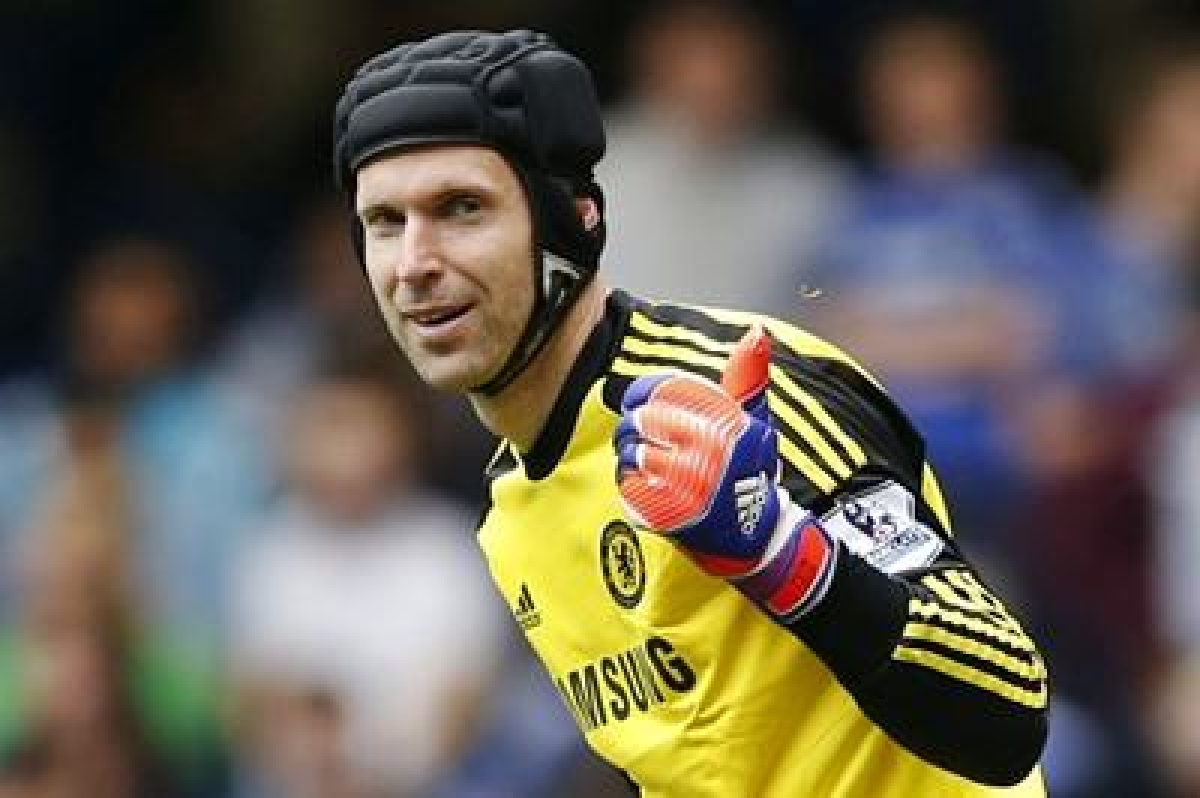Arsenal's Cech keen to stop Messi again
