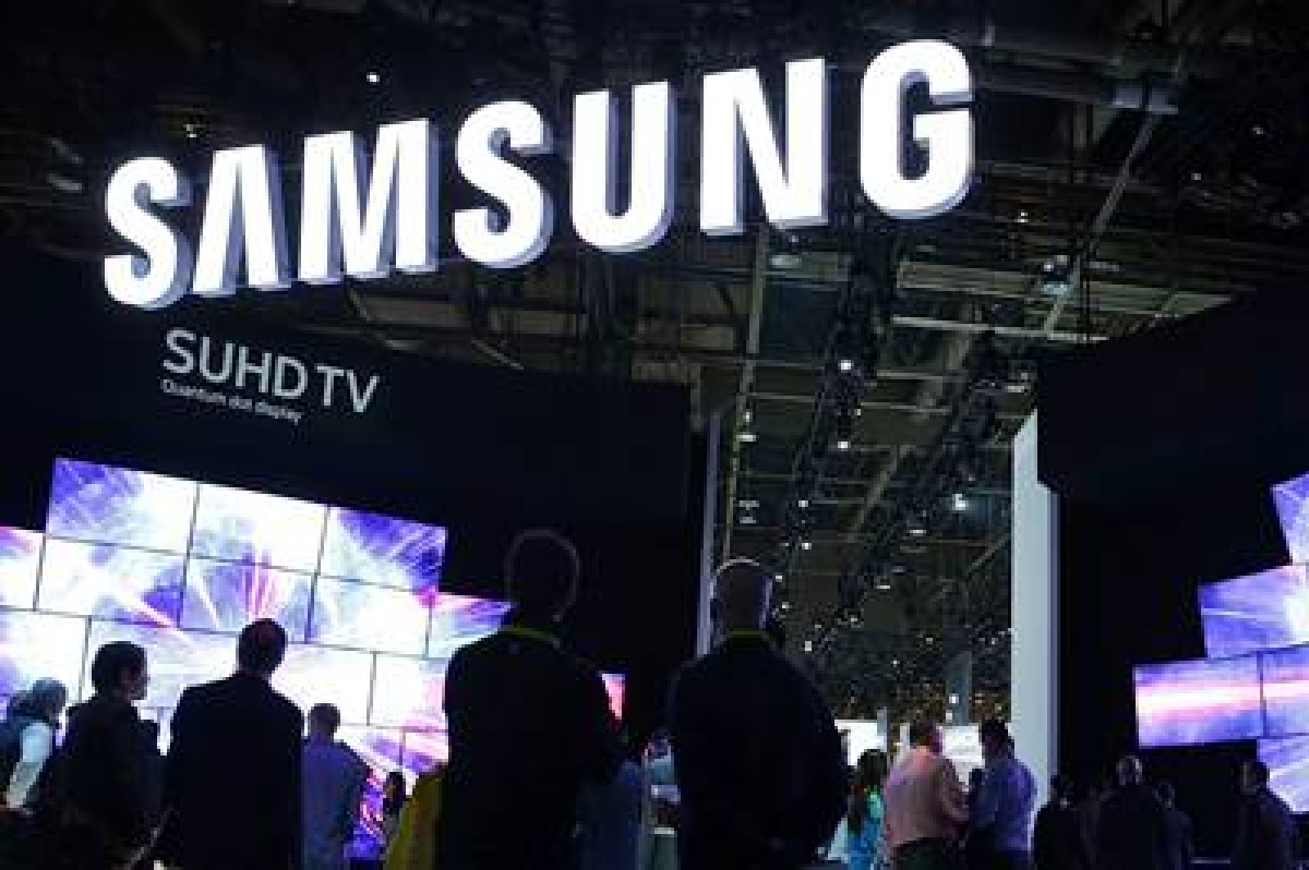 Samsung expects operating profit to fall as Covid-19 hits sales