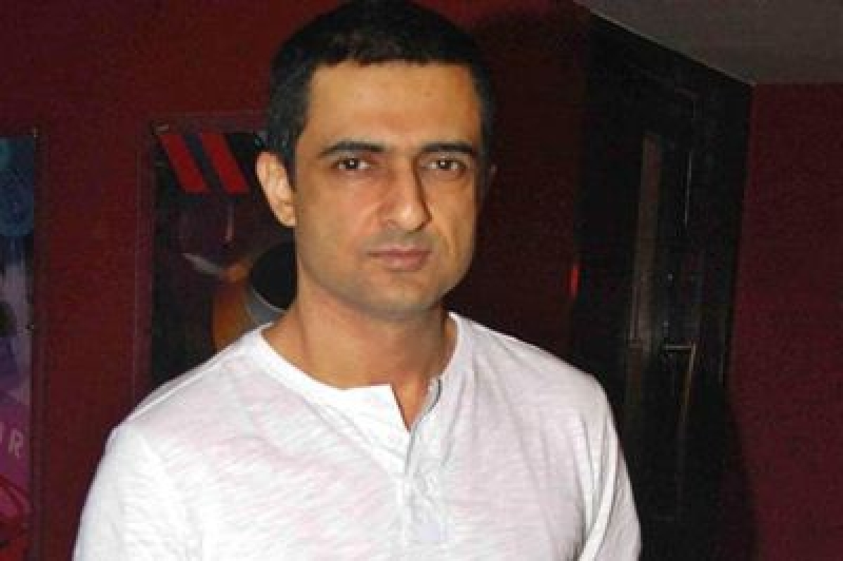 Short kiss or long kiss, how does it matter, questions Sanjay Suri