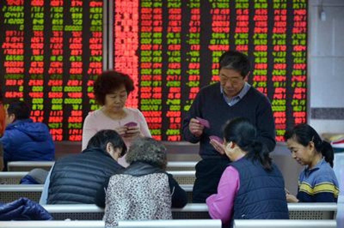 Asia stocks fall on fear of recession
