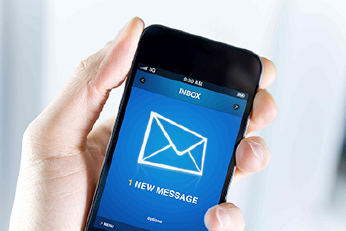 Turn off e-mail app on phone to be happier