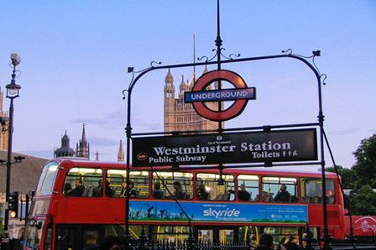Londoners get unexpected free ride due to technical glitch