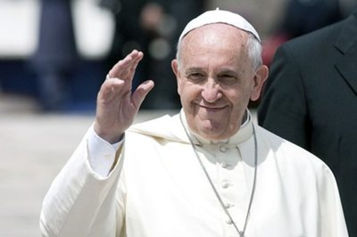 Pope Francis urges Europe to keep welcoming migrants