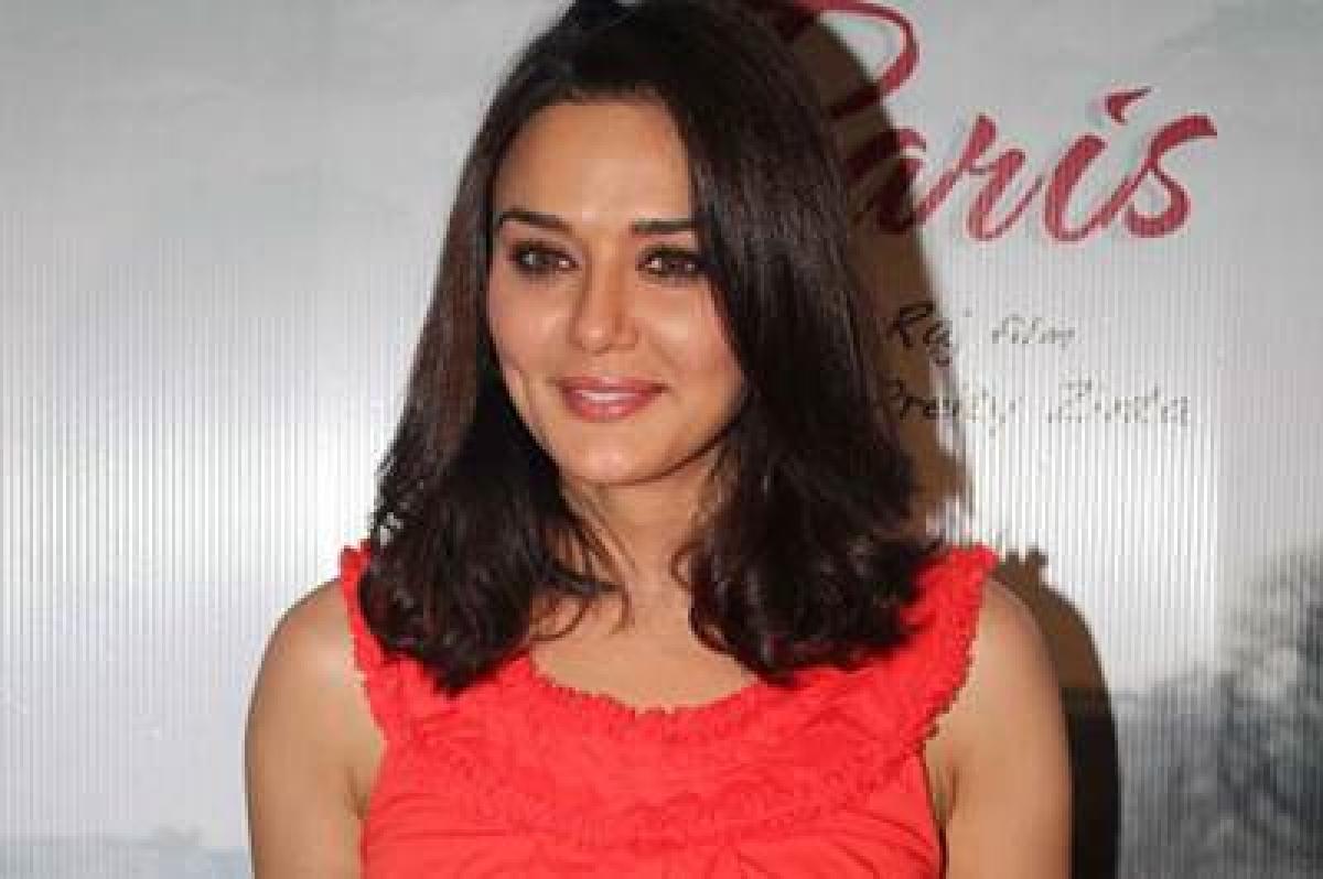 New bride Preity Zinta flaunts her 'choora'