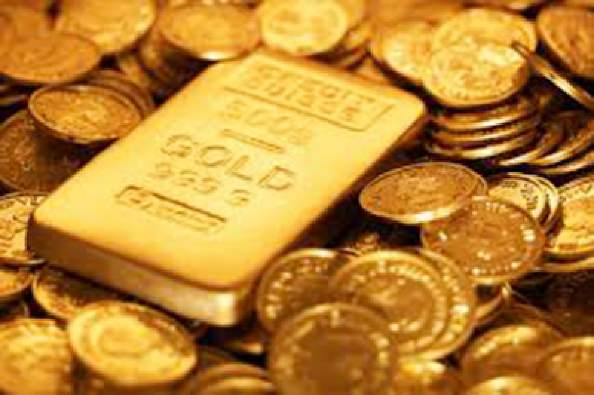 Gold continues to shine, silver tops Rs 41K on global cues