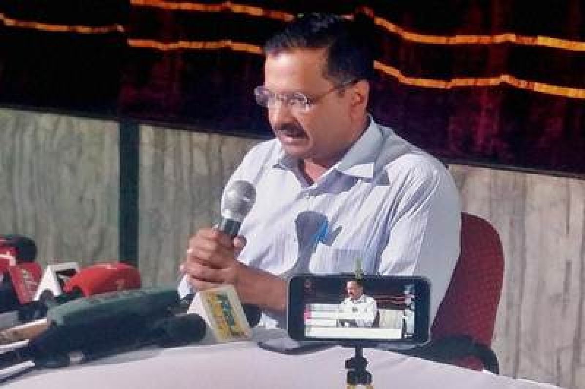Bengaluru: Delhi Chief Minister Arvind Kejriwal addressing a press conference about MCD Issue at Jindal Naturopathy Centre in  Bengaluru on Wednesday. PTI Photo  (PTI2_3_2016_000213B)