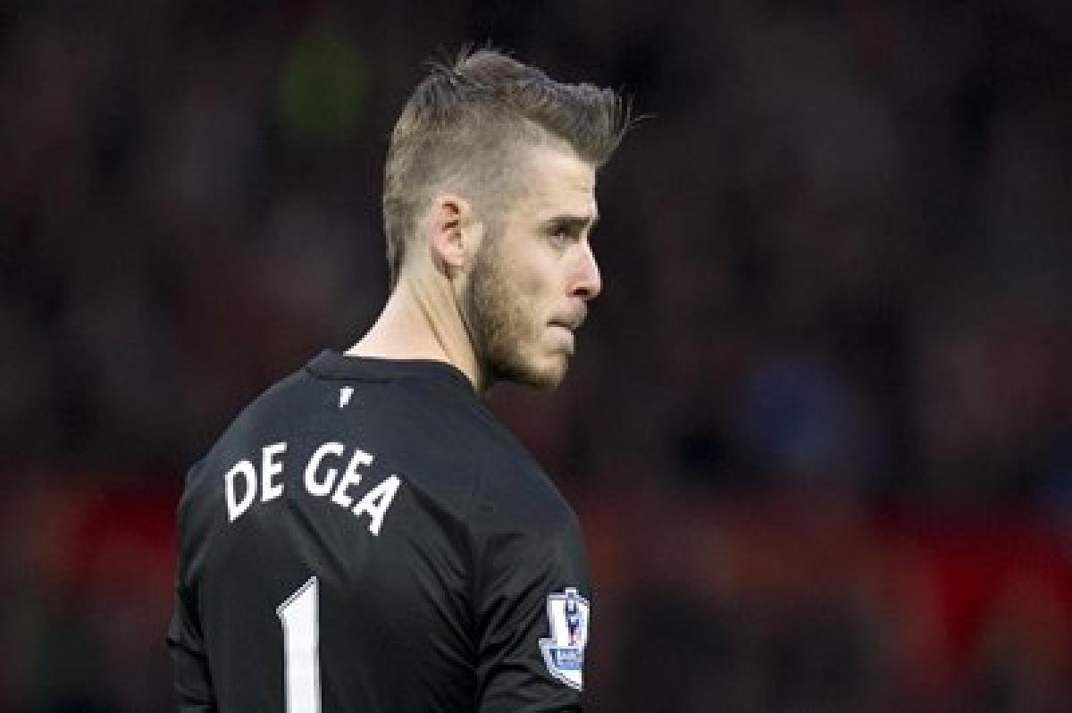 De Gea's injury piles more misery on embattled Van Gaal