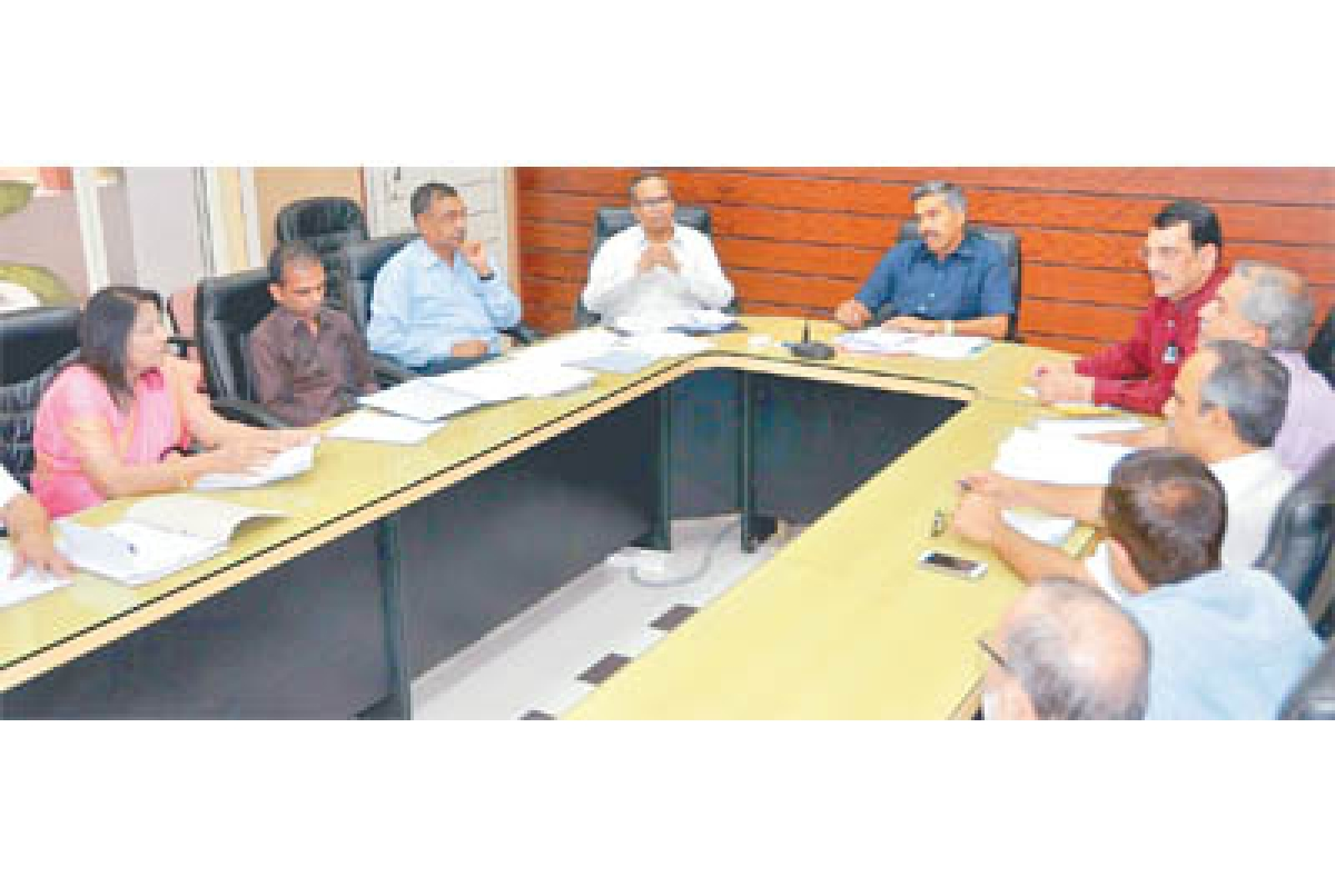 Dubey expresses anger over irregularities in MY