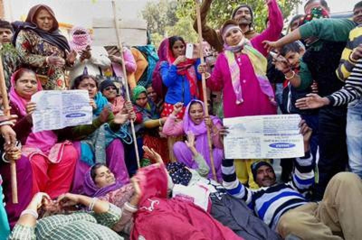 MCD strike, day 10: Protestors warn Delhi Govt.