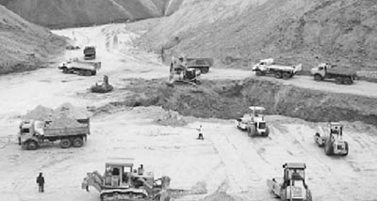 Govt moots allowing private cos to carry out mineral exploration