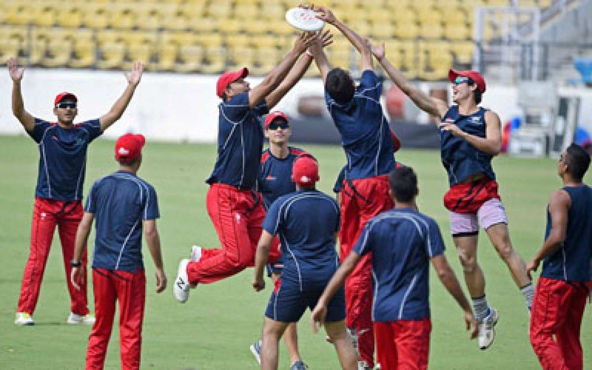 Nagpur: Hong Kong team players players during a practice session at VCA Jamtha Stadium in Nagpur on Monday ahead of ICC T20 World Cup. PTI Photo by Shashank Parade   (PTI3_7_2016_000127B)