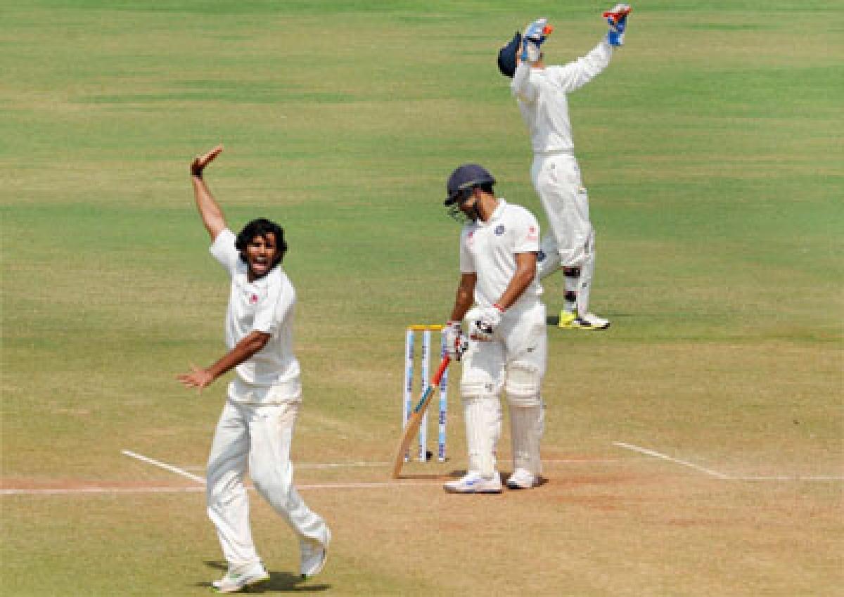 Mumbai take huge lead