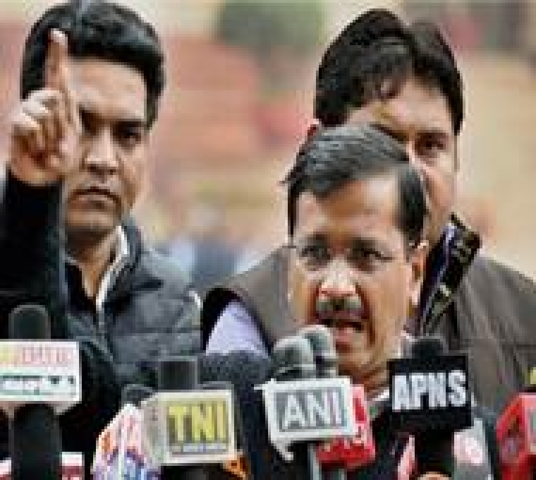 New Delhi: Delhi Chief Minister Arvind Kejriwal speaks to media after meeting with President Pranab Mukherjee at Rashtrapati Bhavan in New Delhi on Thursady. PTI Photo by Vijay Kumar Joshi (PTI2_18_2016_000103B)