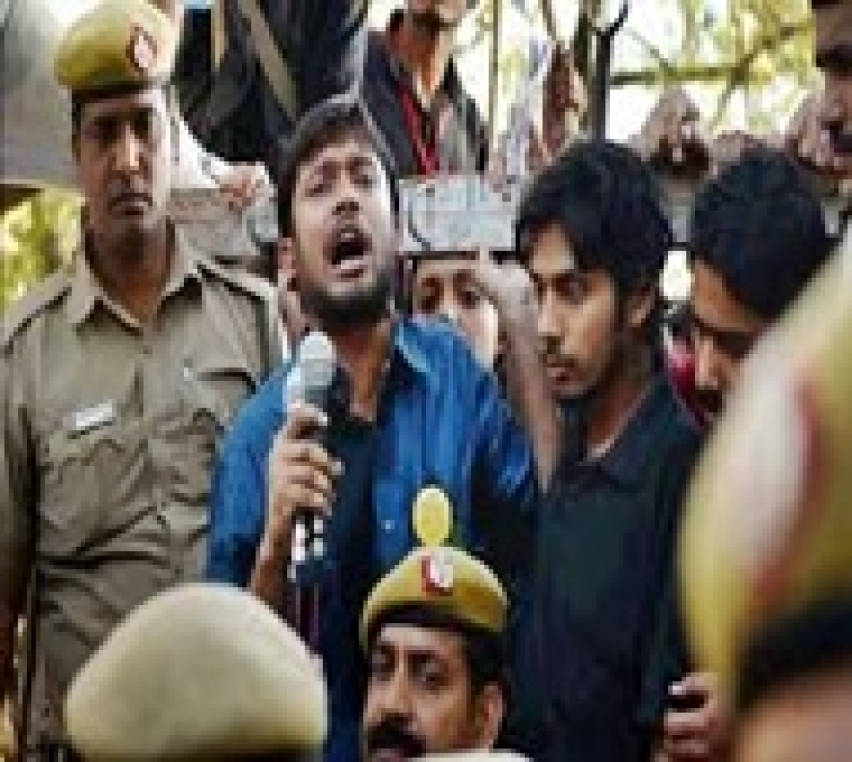 JNU students decide not to accept probe panel report