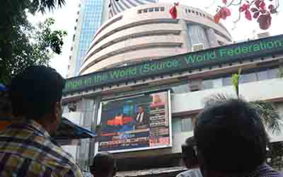 Sensex plunges 434 points after RBI policy outcome; GDP forcast