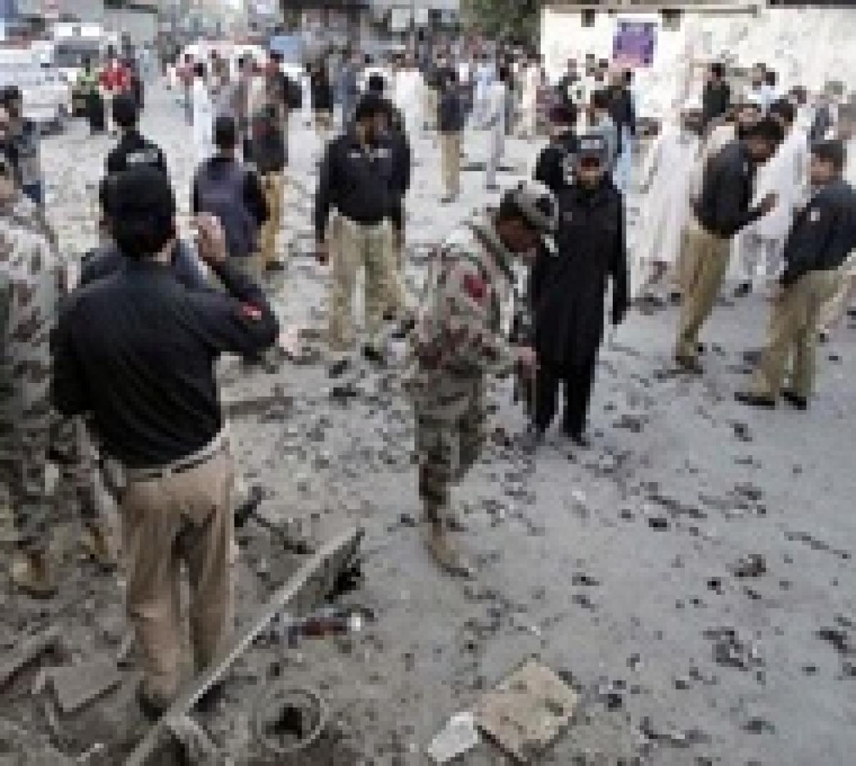 Eight killed in Pakistan suicide blast