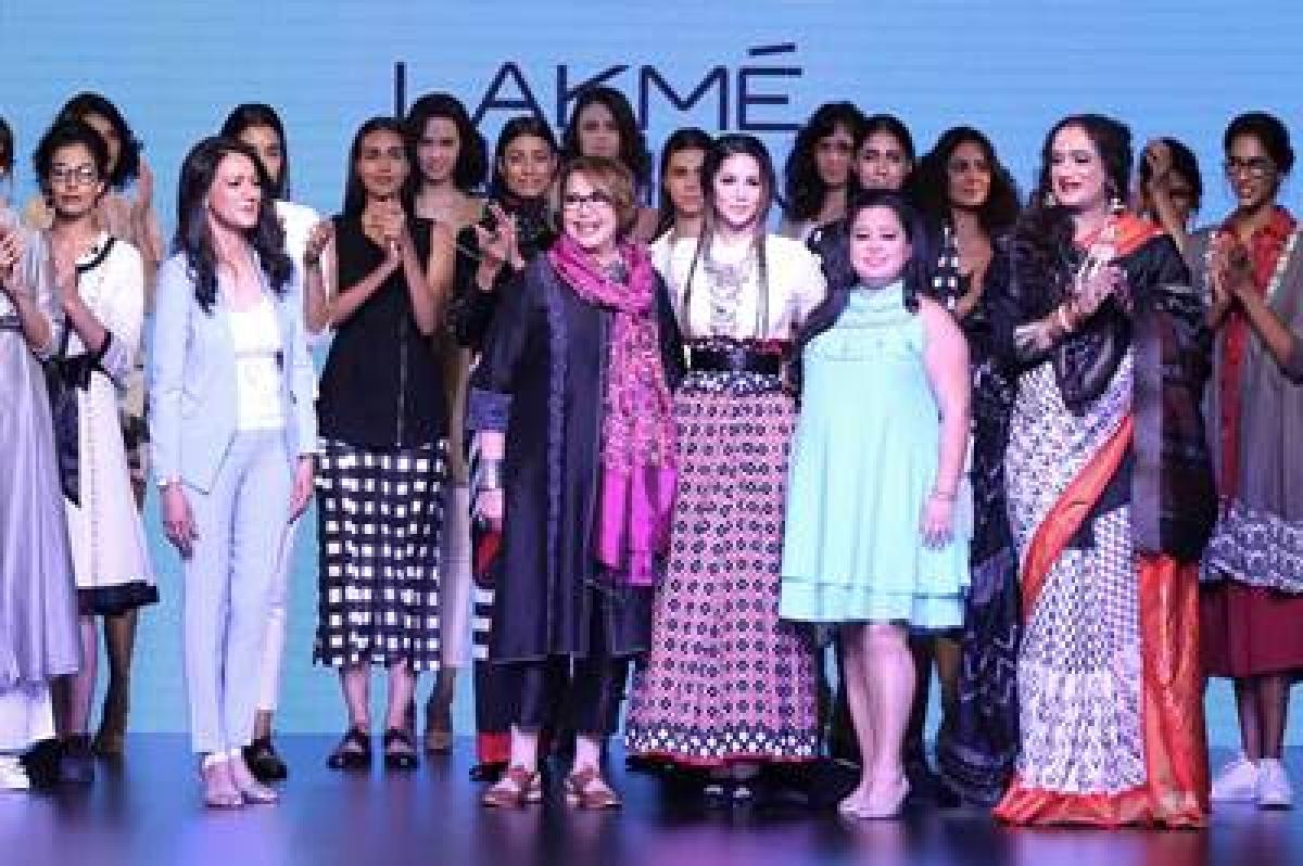 Shraddha Kapoor, Urvashi Rautela, Sunny Leone turn up the heat at LFW Day 4- Part 2