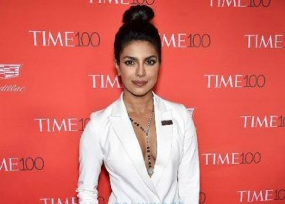 Priyanka Chopra features in music video with JLo, Akon