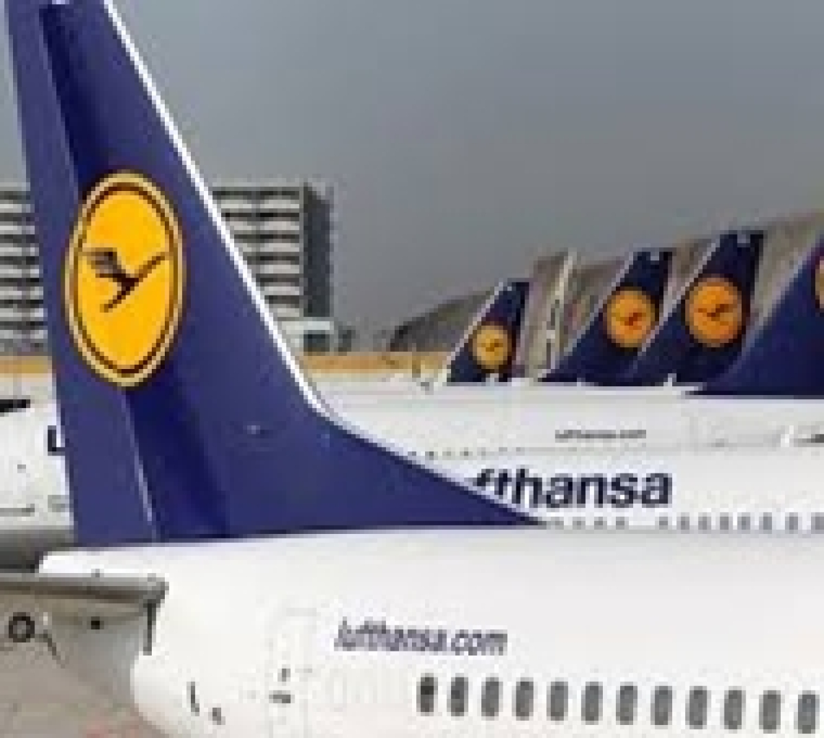 Passengers hit as strike grounds several flights in Germany