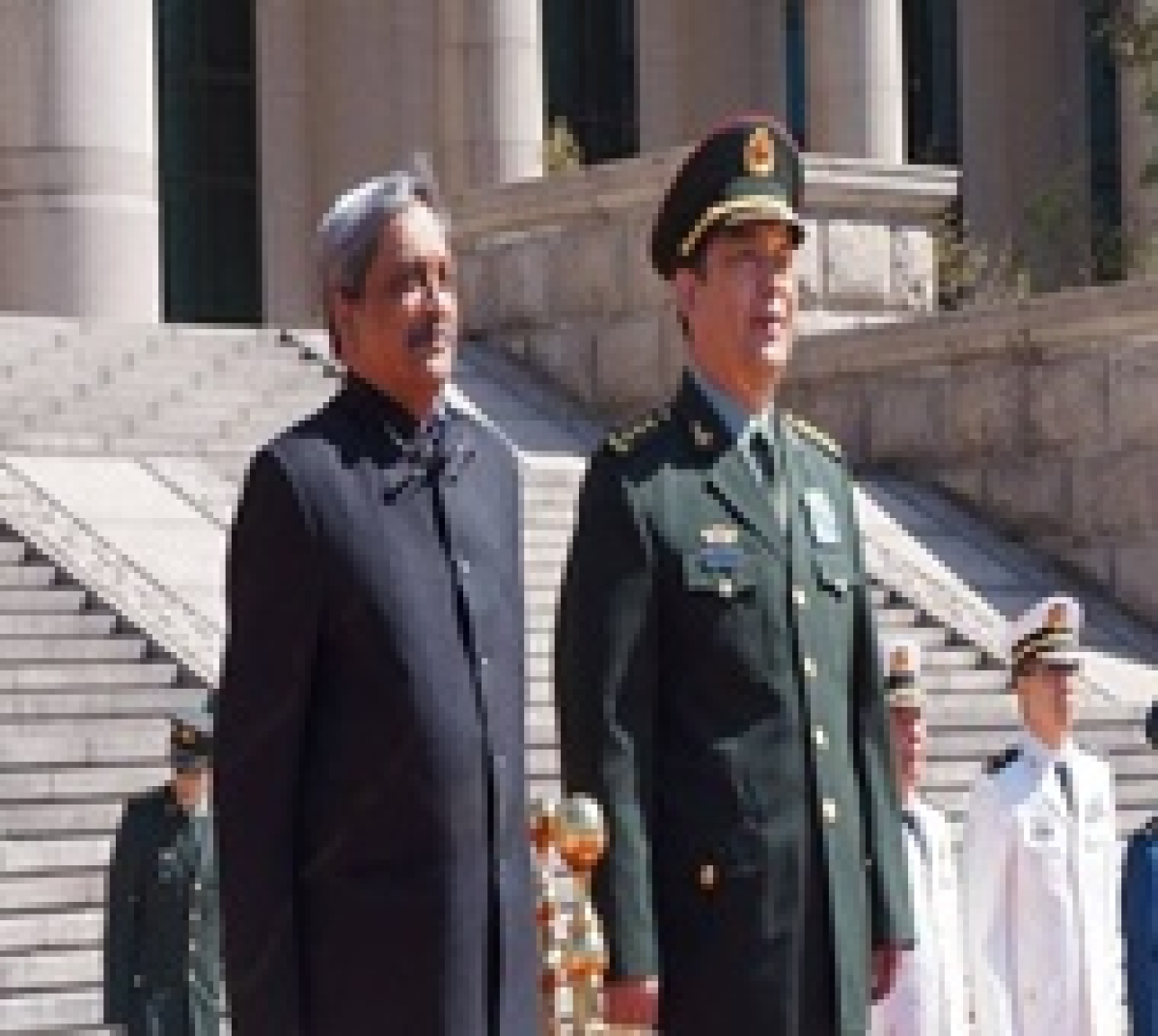 Parrikar holds bilateral meeting with General Chang in Beijing