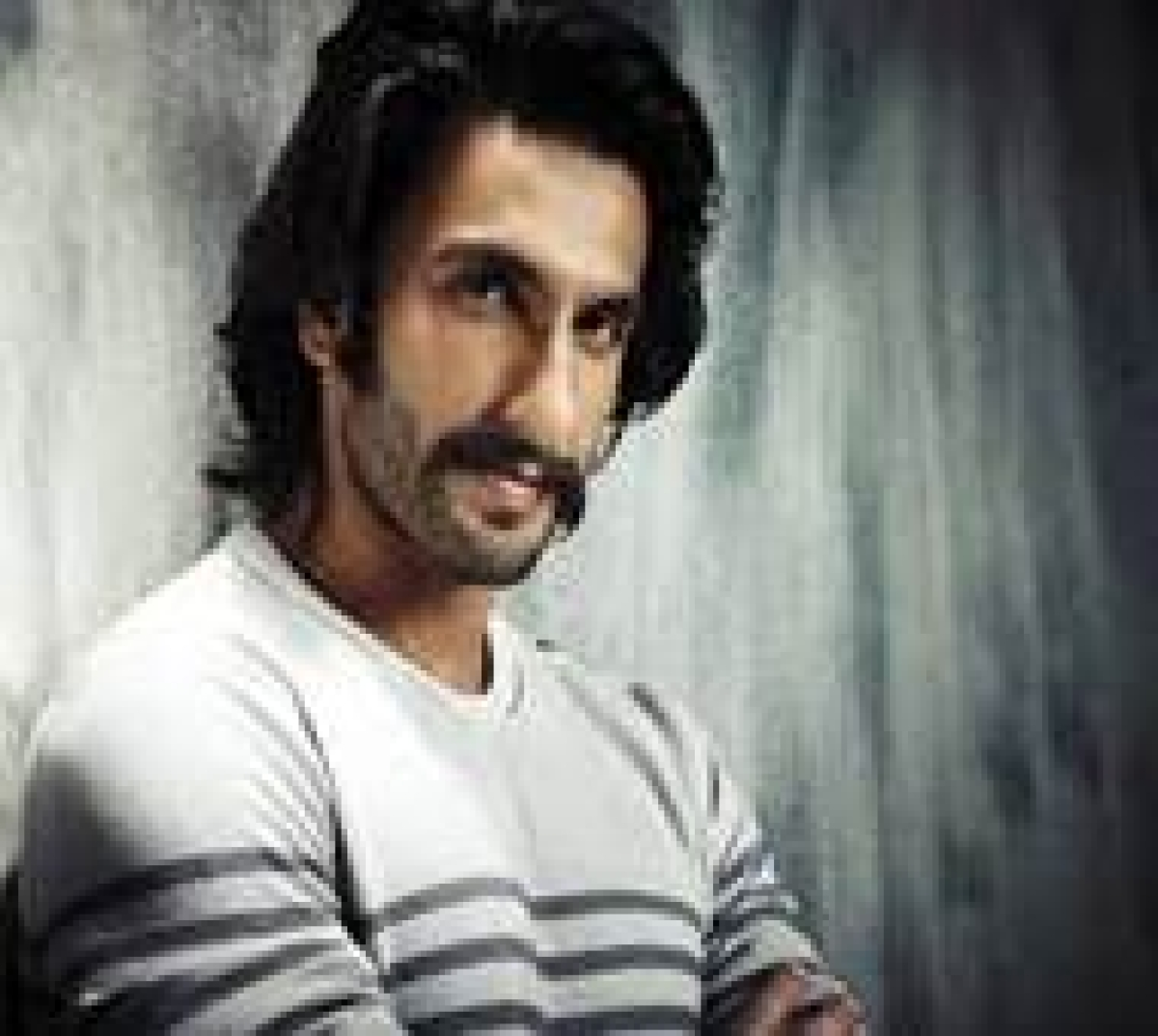 Ranveer Singh watches 'Kapoor & Sons' with family