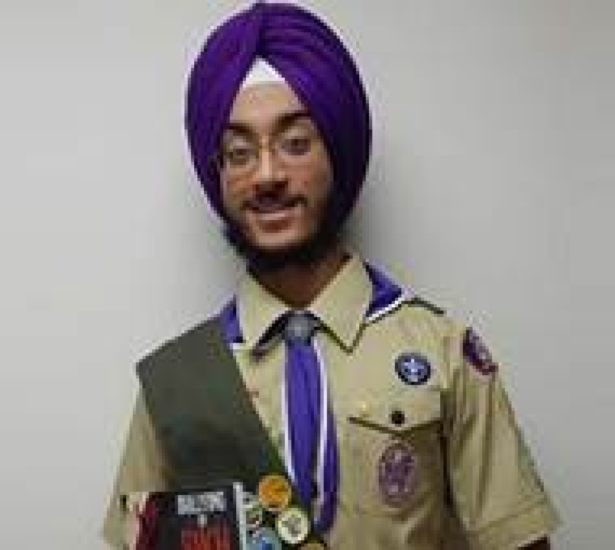 Sikh-American teen forced to remove turban at airport in US