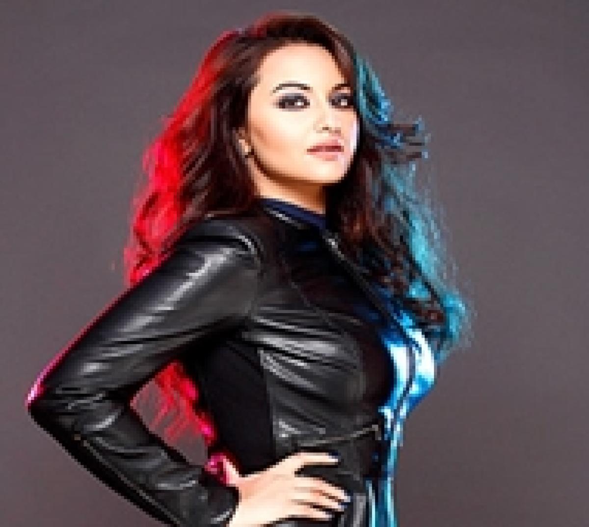 Sonakshi Sinha to play Pakistani journalist in Noor