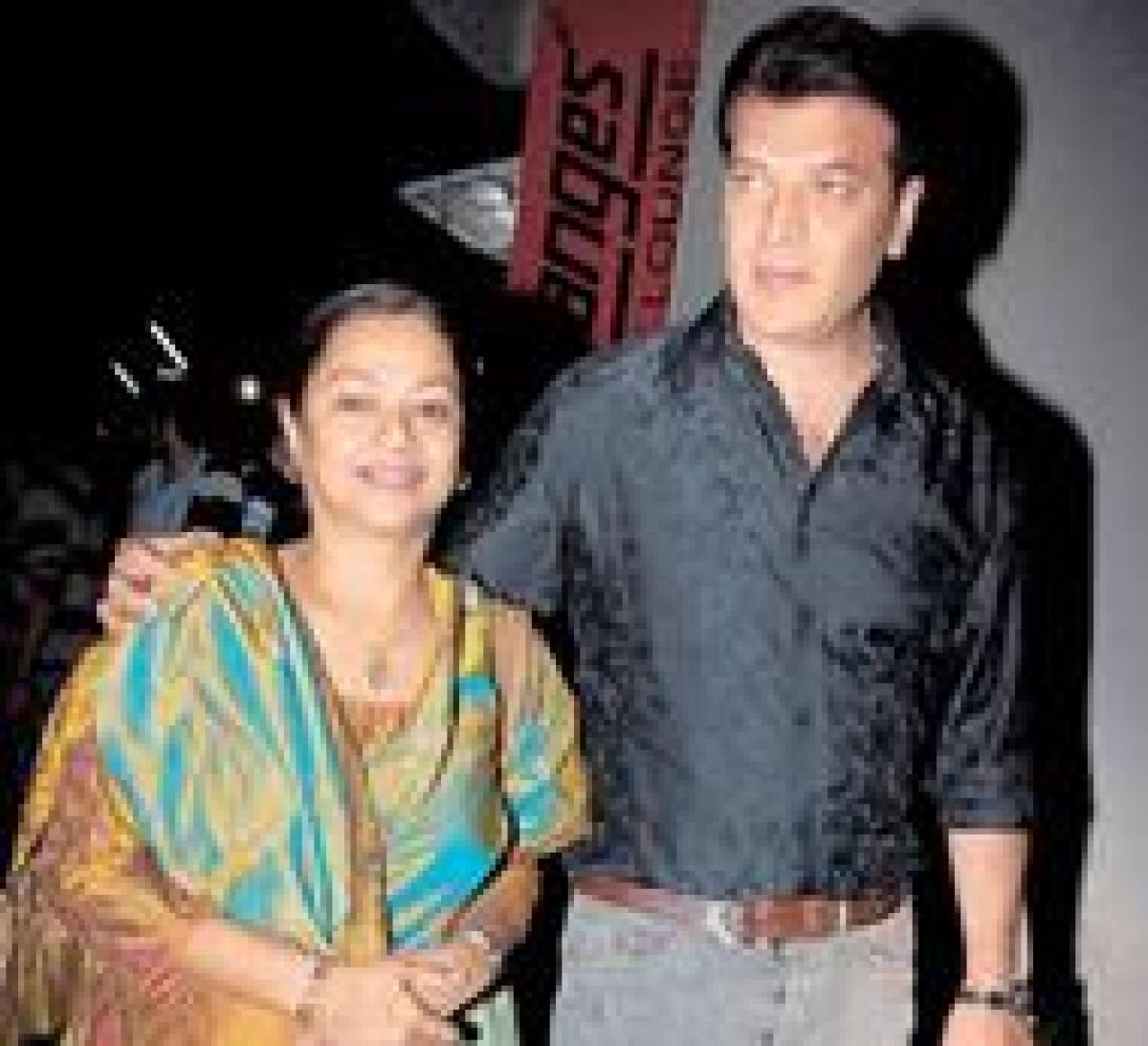 Aditya Pancholi's wife, daughter leave house over his Adhyayan Suman statement