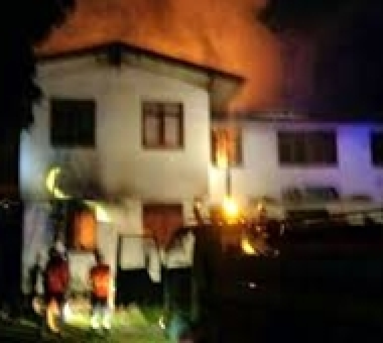 18 girls dead in Thai school dormitory fire