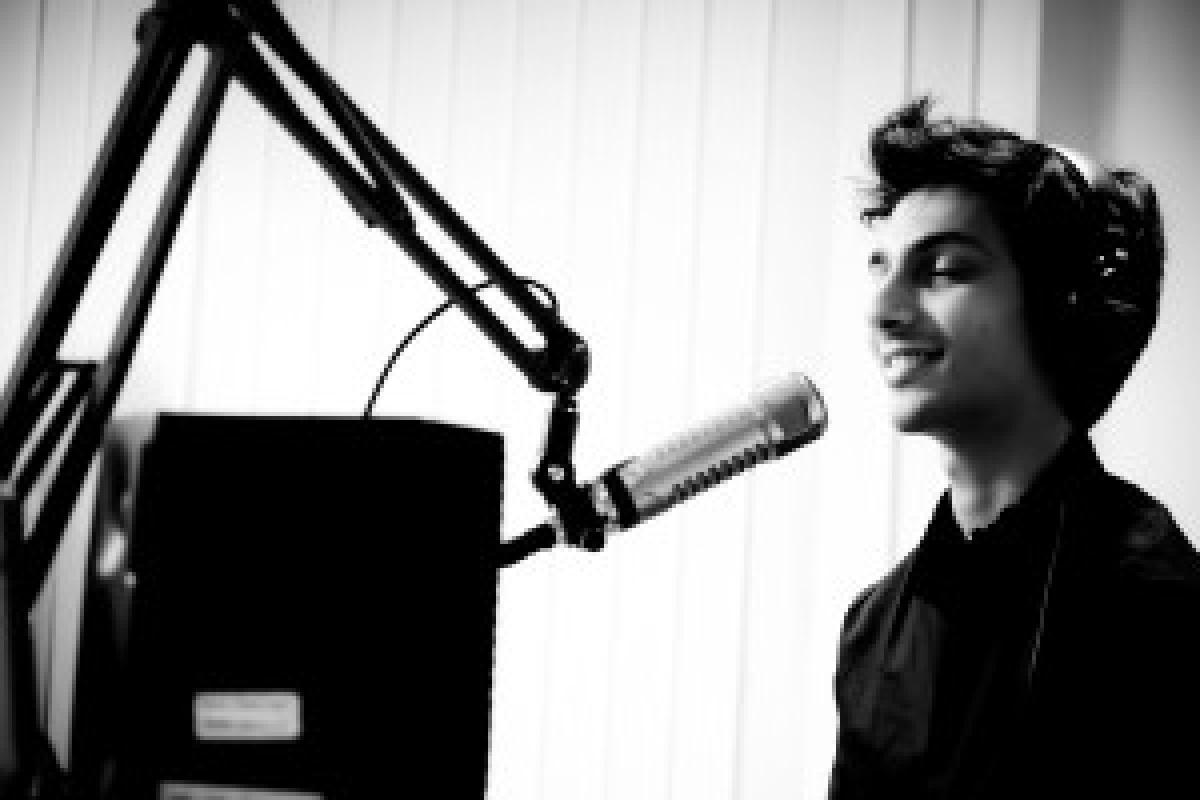 '…kolavari di' fame composer signs up with Sony Music