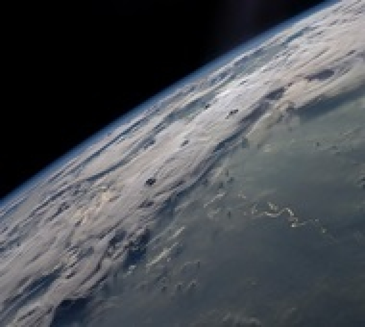 Earth collided with Mercury-like planet to give birth to carbon