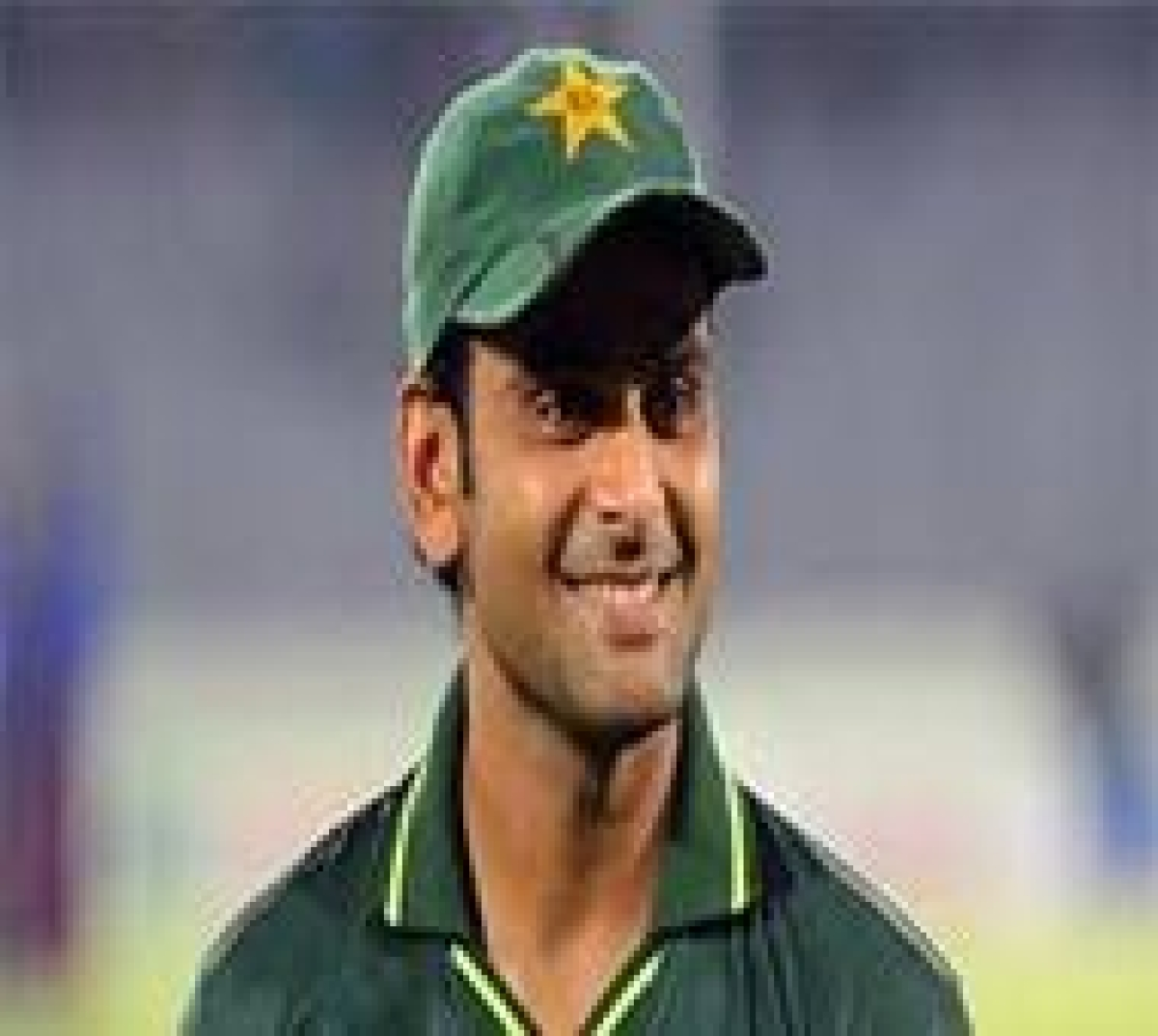 Knee injury casts doubt on Hafeez's participation in England tour