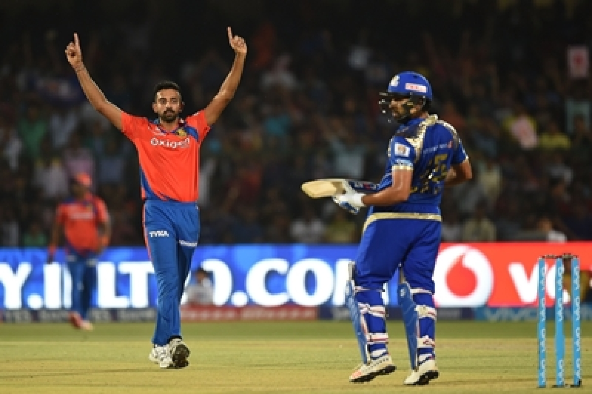 IPL 2016: Gujarat outclass Mumbai to qualify for play-offs