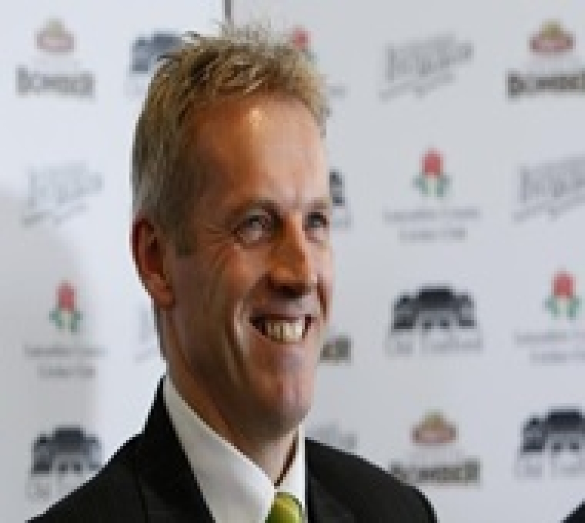 Peter Moores turns down Pak's head coach role