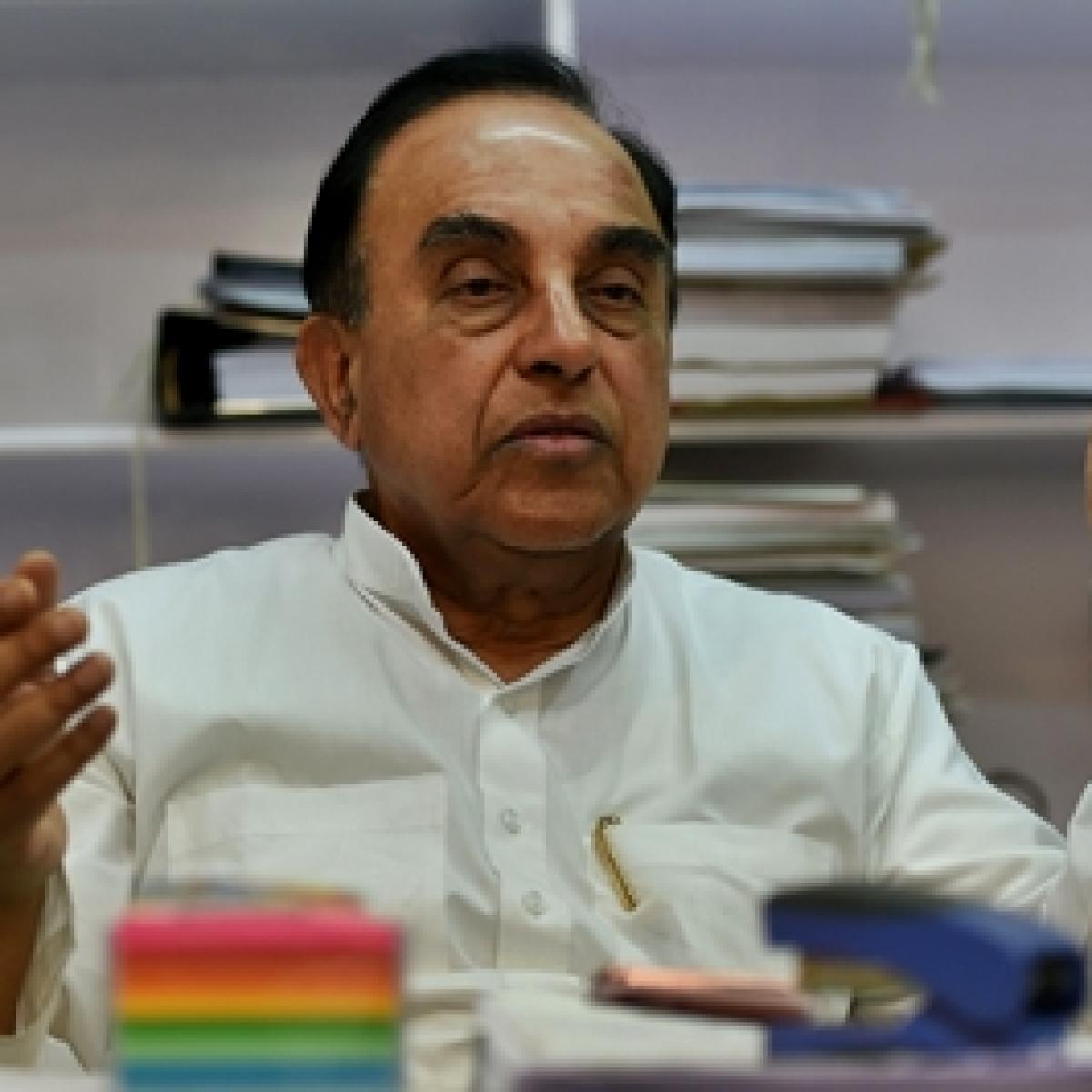 Palghar Sadhu lynchings: Subramanian Swamy looks to file PIL for CBI inquiry