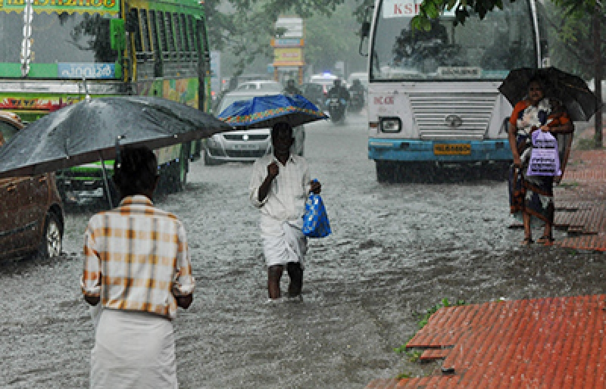 IMD issued thunderstorm, lightning alert for isolated places over Coastal Andhra Pradesh, Vidarbha, Chhattisgarh, Odisha, Tamil Nadu, Puducherry and Karaikal.
