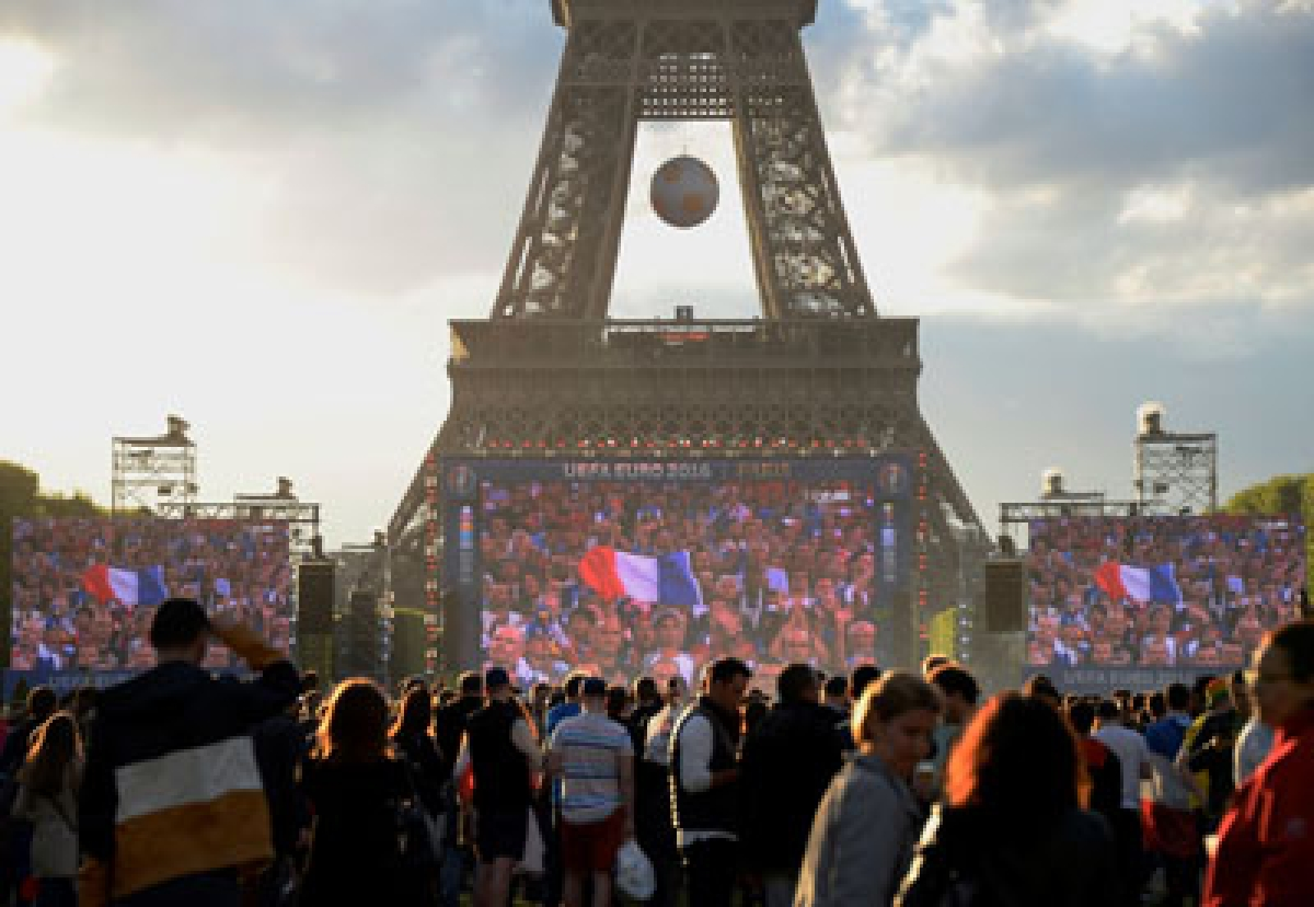 Violence :20 Russians thrown out of France