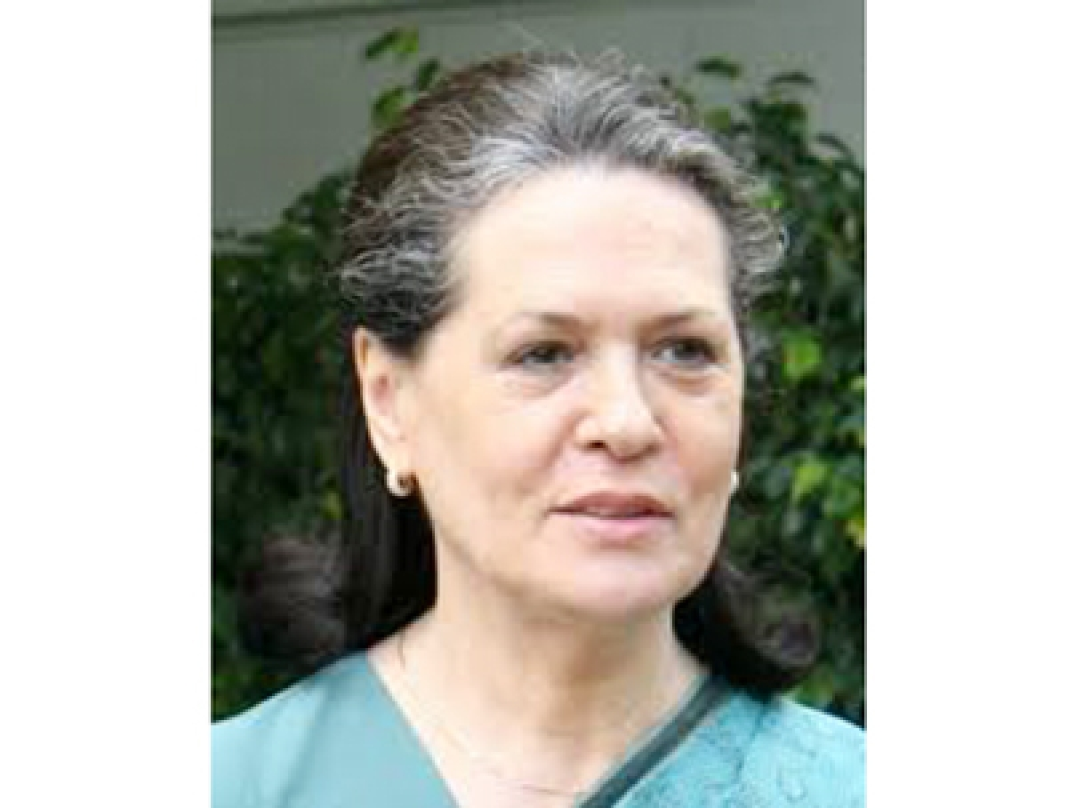 Suit against Sonia in Kerala for non-payment of dues