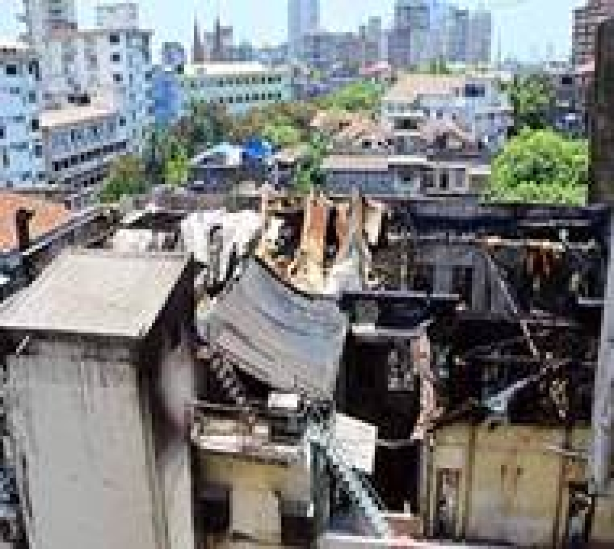 Colaba Fire: Tourists caught in Metro house get timely help by Mumbai Police