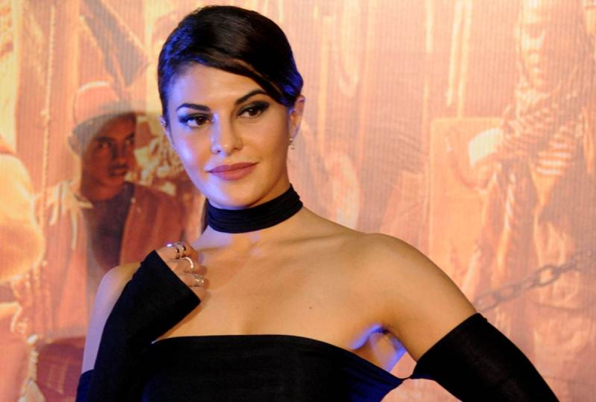 Jacqueline Fernandez keen to work with SRK, Aamir Khan