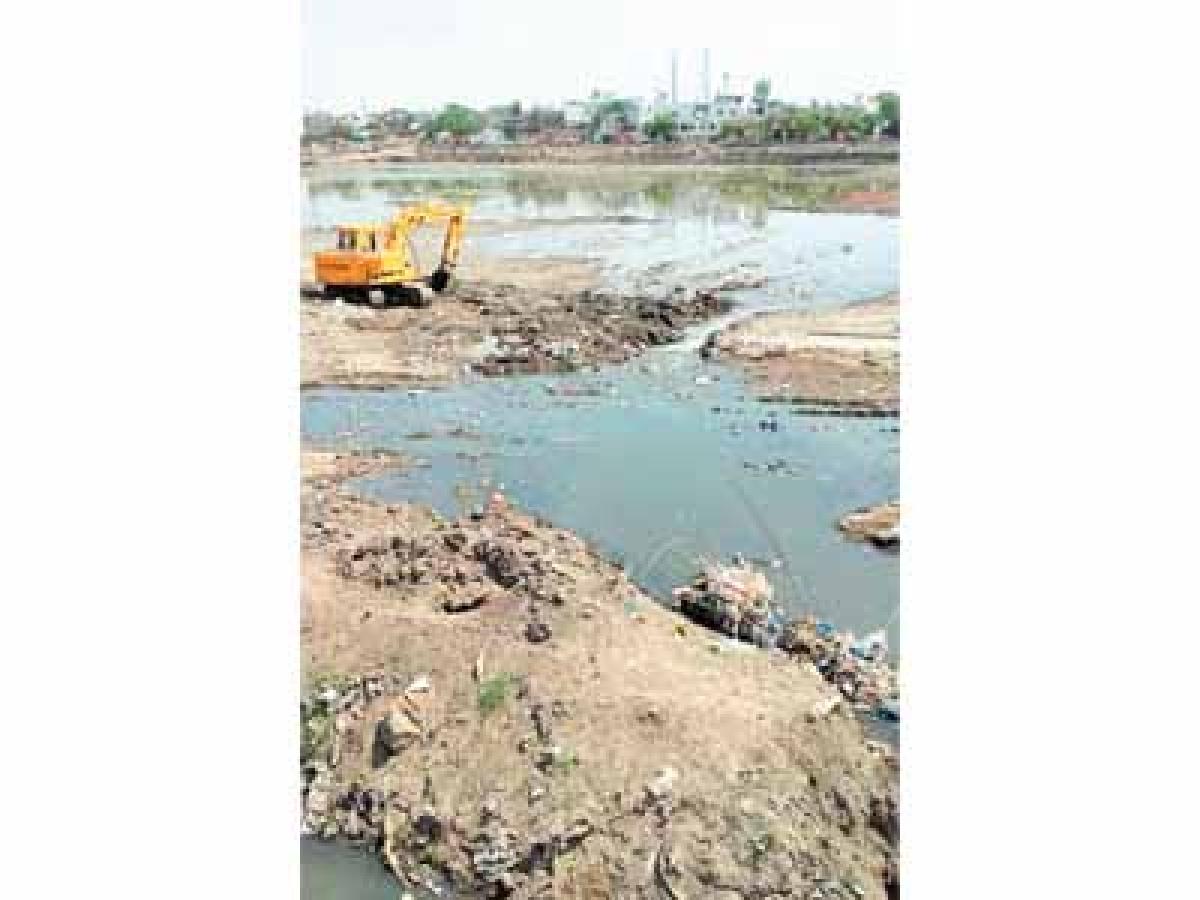 Nullahs still pouring dirt into Rudra Sagar despite spending crores