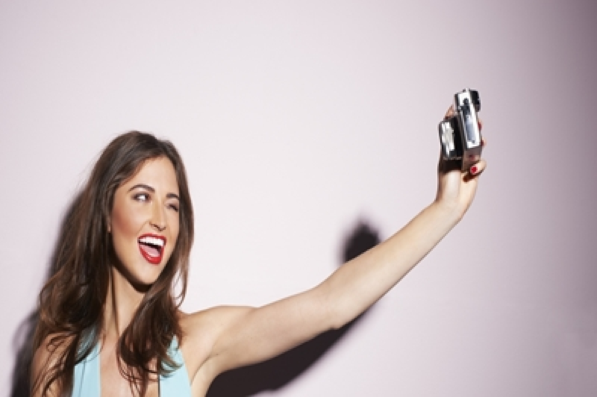 Selfie elbow becoming new medical condition